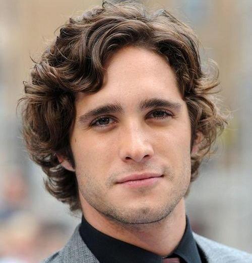Причёски с кудрявыми волосами для мужчин