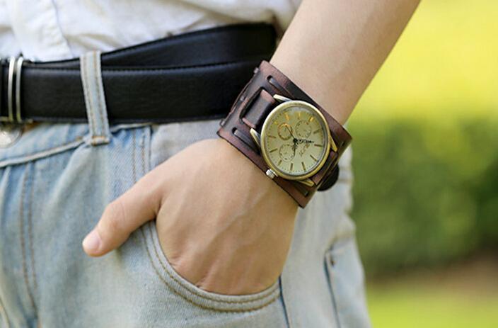 Мужские наручные часы в ретро стиле
